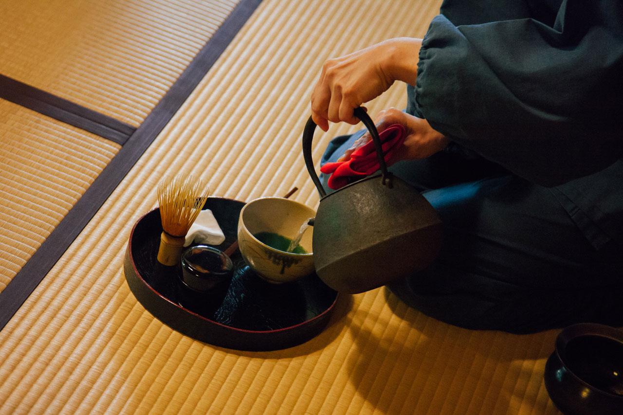 Tea ceremony in Meigetsu-in temple in Kamakura