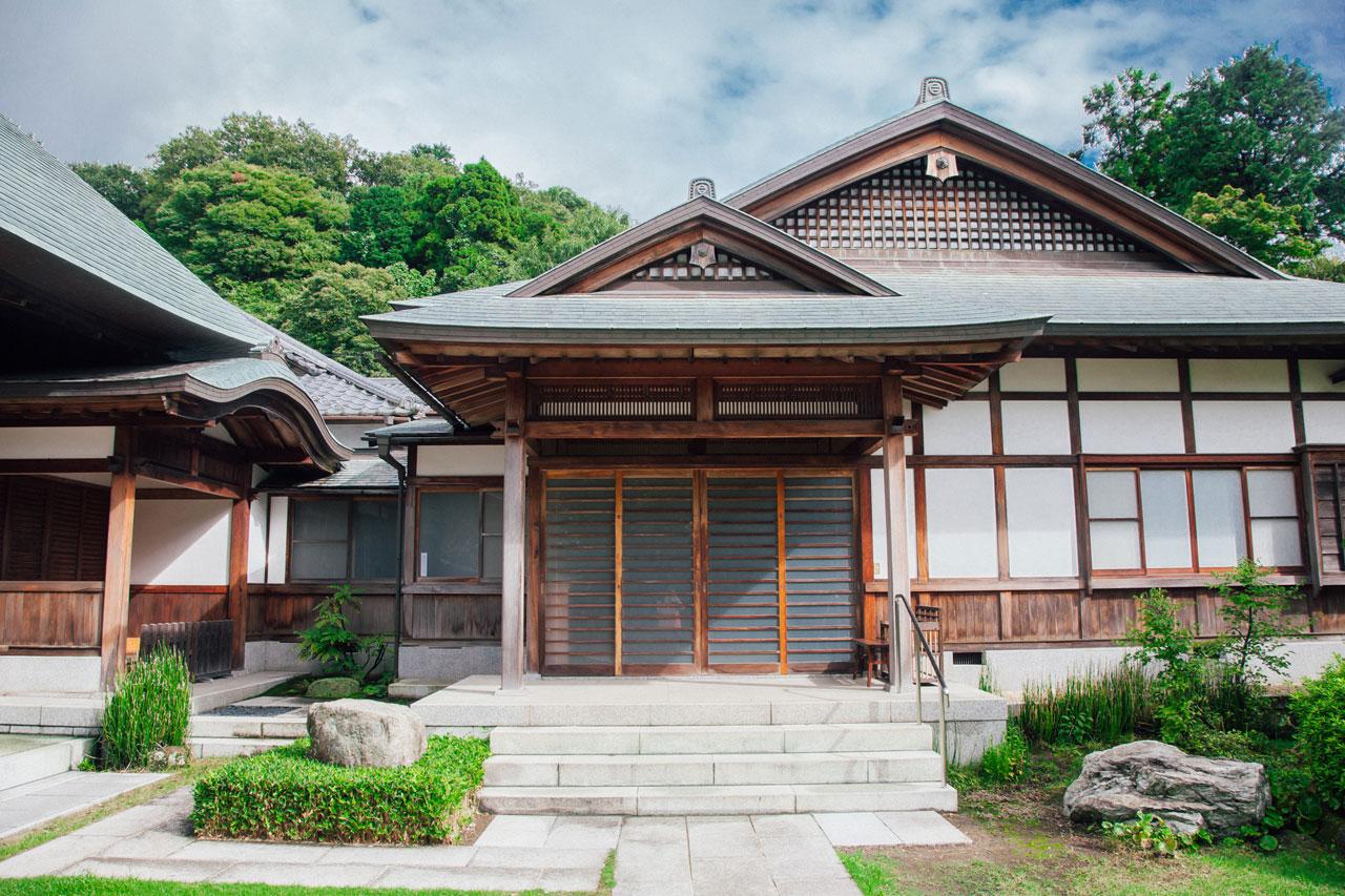Meigetsu-in temple in Kamakura