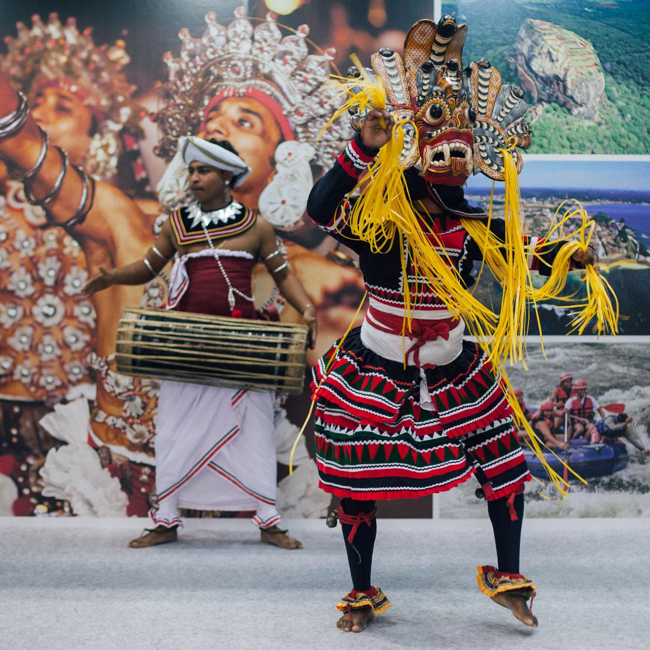 Sri Lanka national costumes